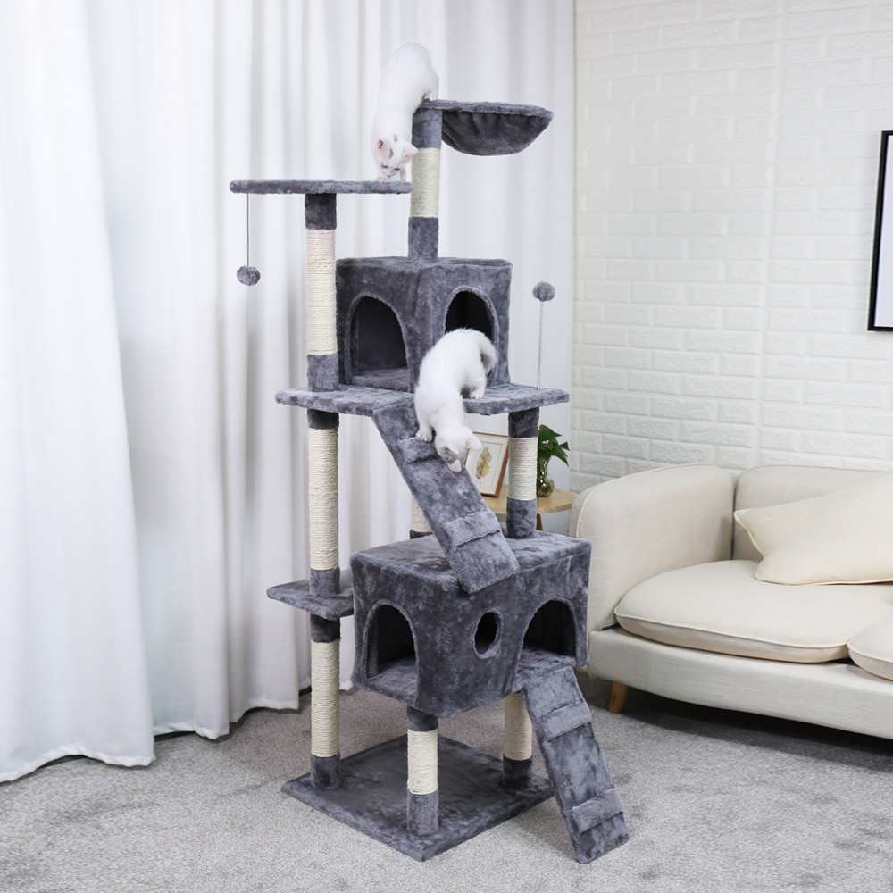 Tree House with plush