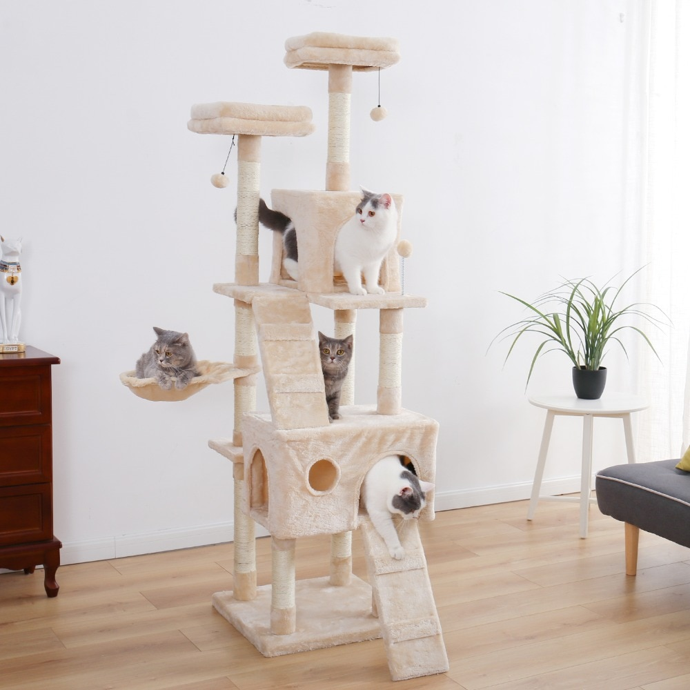 4 cats in the tree house